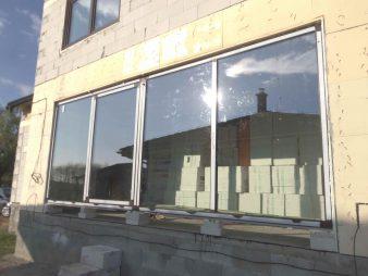 Presklená hliníková stena